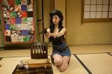 土曜ドラマ24『フリンジマン〜愛人の作り方教えます〜』第2話(10月14日放送)より、壇蜜がカウガール姿を披露する場面写真を先行公開(C)テレビ東京
