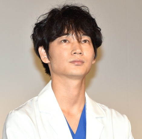 TBS系ドラマ『コウノドリ』舞台あいさつに登壇した綾野剛 (C)ORICON NewS inc.