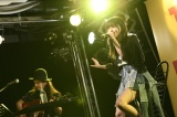 ソロ2ndアルバム『identity』発売記念ミニライブを開催した山本彩