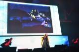 『新世紀エヴァンゲリオン』のテーマ「残酷な天使のテーゼ」を披露する高橋洋子(C)MBS