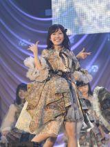 渡辺麻友ラストセンターの新曲「11月のアンクレット」初披露(C)AKS