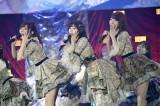 AKB48が渡辺麻友ラストセンターの50thシングル「11月のアンクレット」を初披露(C)AKS