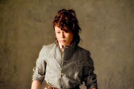 ビジュアル撮影中の西川貴教