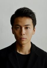 NHKドラマ『許さないという暴力について考えろ』に出演する森岡龍