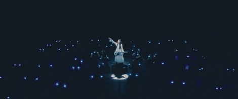 miwaの新曲「We are the light」のMVは光の競演