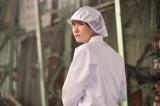 工場勤めする様子を収めた新垣結衣の場面写真=映画『ミックス。』場面写真 (C)2017『ミックス。』製作委員会