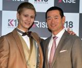 寝具メーカー『RISE』の新製品発表パーティーに出席した桑田真澄氏(右)と次男のMattさん (C)ORICON NewS inc.