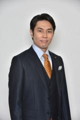 日本テレビ系連続ドラマ『今からあなたを脅迫します』第2話(10月29日放送)に出演する袴田吉彦 (C)日本テレビ