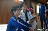 テレビ朝日系ドラマ『オトナ高校』第2話より。25歳で5人の子持ちという山田翔馬(ペガサス)先生を演じる竜星涼も(C)テレビ朝日