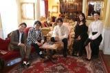 (左から)千鳥ノブ、バッファロー吾郎A、要潤、小松春佳、田中えみ(C)テレビ東京