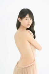 3rd写真集『Anniversary』の発売が決定した水谷果穂