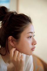 石原さとみ写真集『encourage』より(撮影:伊藤彰紀/宝島社)