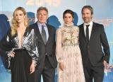 映画『ブレードランナー 2049』のジャパンプレミアに出席した(左から)シルヴィア・フークス、ハリソン・フォード、アナ・デ・アルマス、ドゥニ・ヴィルヌーヴ監督 (C)ORICON NewS inc.