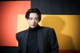 10月28日(土)公開の映画『先生! 、、、好きになってもいいですか?』で、比嘉愛未演じる中島先生に恋する高校生・浩介を演じる竜星涼。撮影/booro(BIEI)(C)Deview