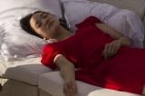無防備な寝顔も披露(C)2017映画「彼女がその名を知らない鳥たち」製作委員会