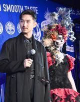 『テキーラブンブンブース』オープニングイベントに出席した松田翔太(左) (C)ORICON NewS inc.
