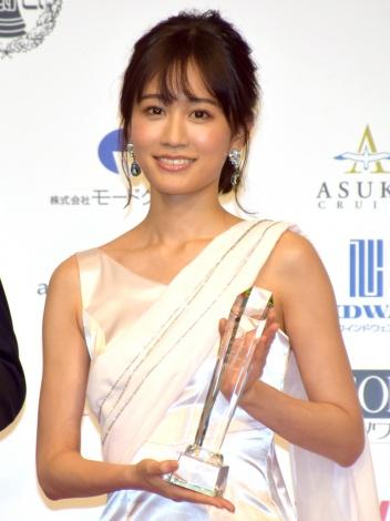 『第18回ベストフォーマリスト』を受賞した前田敦子 (C)ORICON NewS inc.