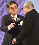 『東京ドラマアウォード2017』の授賞式に出席した石坂浩二と倉本聰 (C)ORICON NewS inc.