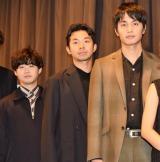 映画『ポンチョに夜明けの風はらませて』初日舞台あいさつに出席した(左から)矢本悠馬、太賀、中村蒼 (C)ORICON NewS inc.