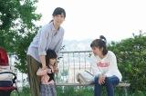 第2話(10月30日)より。智子(右/篠原涼子)にある悩みを相談する圭子(左/水川あさみ)(C)フジテレビ
