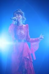May J.=『ニッポン放送 オールナイトニッポン50周年 岡村隆史のオールナイトニッポン歌謡祭 in 横浜アリーナ2017』より