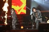 一夜限りの「Toshl&隆史」結成した(左から)X JAPANのToshl、岡村隆史
