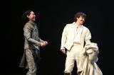 『ローゼンクランツとギルデンスターンは死んだ』ゲネプロの模様(左から)菅田将暉、林遣都(撮影:宮川舞子)