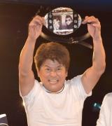 プロレスデビュー戦ながら、長州小力からタイトルを奪取した哀川翔 (C)ORICON NewS inc.