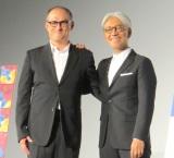 (左から)スティーブン・ノムラ・シブル監督、坂本龍一=第30回東京国際映画祭、映画『Ryuichi Sakamoto:CODA』試写会前舞台あいさつ (C)ORICON NewS inc.