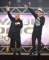 『KOYABU SONIC』に出演した(左から)笑福亭鶴瓶と主宰する小籔千豊 (C)ORICON NewS inc.