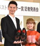 """稲垣の""""結婚式""""の様子を明かした(左から)JOY、IMALU(C)ORICON NewS inc."""
