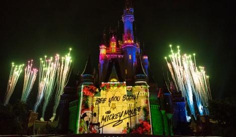 サムネイル 新キャッスルプロジェクション「ディズニー・ギフト・オブ・クリスマス」(C)Disney