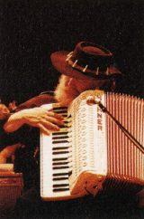 ガース・ハドソン(accordion, keyboards)