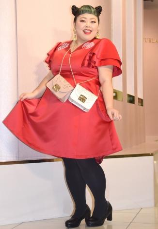 『フルラ「90周年記念 ポップアップストア」』のオープニングセレモニーに出席した渡辺直美 (C)ORICON NewS inc.