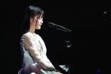 初の東京ドーム公演を開催した乃木坂46(写真は「君の名は希望」でピアノ演奏した生田絵梨花)