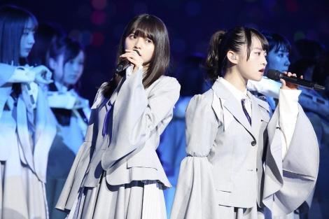 (左から)齋藤飛鳥、伊藤万理華