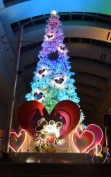 クイーンズスクエア横浜の巨大クリスマスツリー (C)ORICON NewS inc.