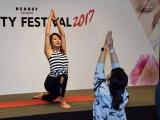『ハースト ビューティー フェスティバル2017』ヨガレッスンを行った内山理名 (C)ORICON NewS inc.