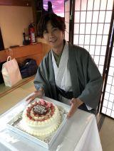 川上大輔、屋形船で誕生日パーティ