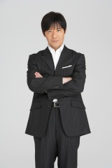 『第68回NHK紅白歌合戦』の総合司会を務めるウッチャンナンチャンの内村光良