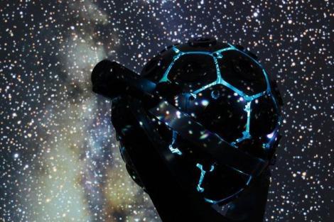 「プラネタリウムデート」を英会話で /『Dancing in the UNIVERSE』は2018年夏まで上映予定