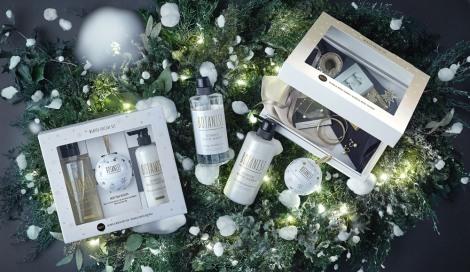 サムネイル 香りだけでなくボトルのパッケージもホワイトクリスマスを連想するような特別仕様となっている
