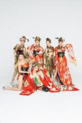 セクシーな花魁姿を披露したCYBER JAPAN(撮影/内藤啓介・宝島社)