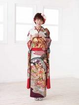 きもの「鈴乃屋」の2018年のイメージキャラクターに就任した飯豊まりえ