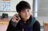 砂時計を手にナンパする「スナオ」として出演する間宮祥太朗(C)日本テレビ