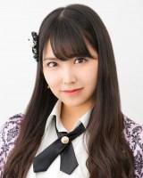NMB48の17thシングル「ワロタピーポー」で単独センターを務める白間美瑠(C)NMB48
