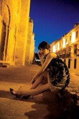 乃木坂46・若月佑美の1st写真集『パレット』(C)桑島智輝/週刊ヤングジャンプ