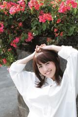 『週刊ヤングジャンプ』51号に登場した逢田梨香子 (C)佐藤裕之/集英社
