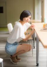 『キャンパスクイーンコレクション Smile! Fresh! Jump!』に登場する國學院大學の雨宮七紀(文藝春秋)