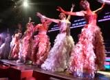 豪華な衣装の金魚ダンサー=ミュージカル『ラ・カージュ・オ・フォール 籠の中の道化たち』の10thアニバーサリー・パーティー (C)ORICON NewS inc.
